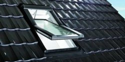 Fereastra de mansarda ROTO Designo R69G K WD RotoTronic E/EF PVC