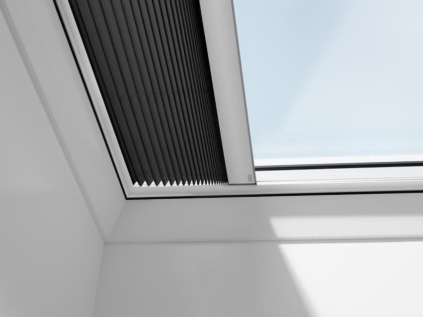 Rulou plisat VELUX FMG pentru ferestre pentru acoperis terasa