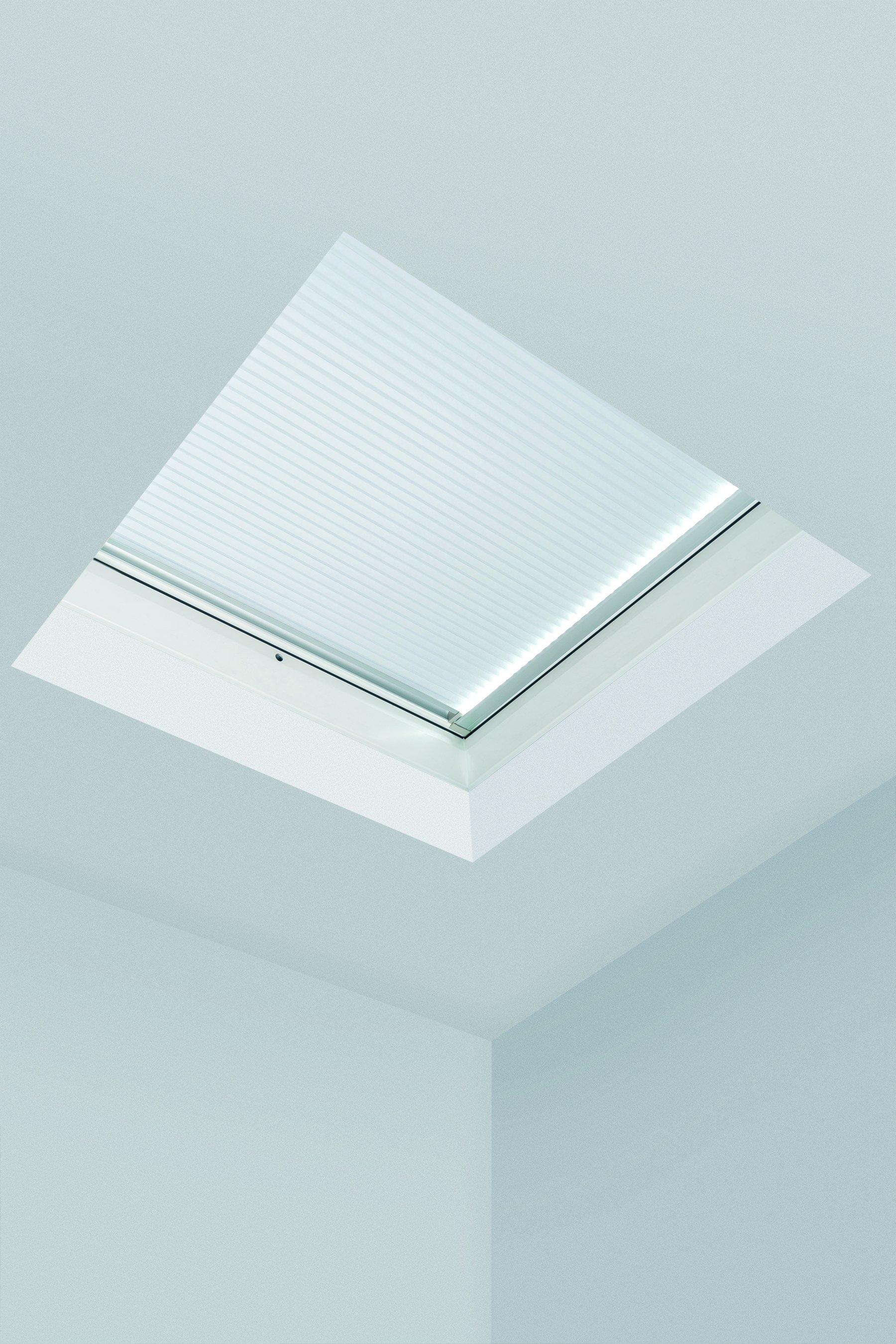 Rulouri plisate FAKRO APF/D pentru ferestre pentru acoperis terasa